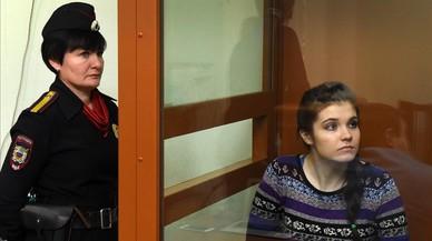La joven Varvara Karaulova en el tribunal de Mosc�.