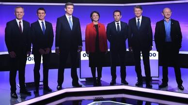 Los siete candidatos a las primarias de la izquierda francesa para las presidenciales, el 19 de enero, antes del debate televisado, en París.