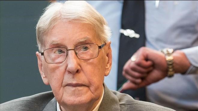 Reinhold Hanning, sentado durante el juicio, en Detmold, este viernes.