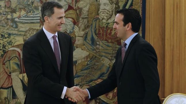 """Garz�n, al Rey: """"Seguimos insistiendo en un Gobierno de izquierdas"""""""