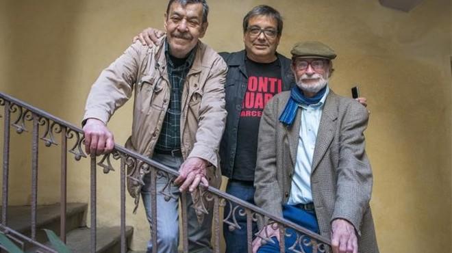 Rai Ferrer y Miguel Agust�, autores de 'La aventura de Strong. Historia de una revista juvenil de culto', junto al editor Albert Mestres.