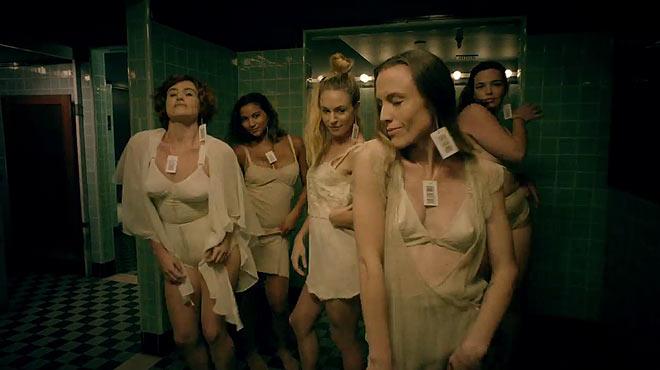 V�deo de les Pussy Riot. 'Straight Outta Vagina (feat. Desi Mo & Leikeli47)'.