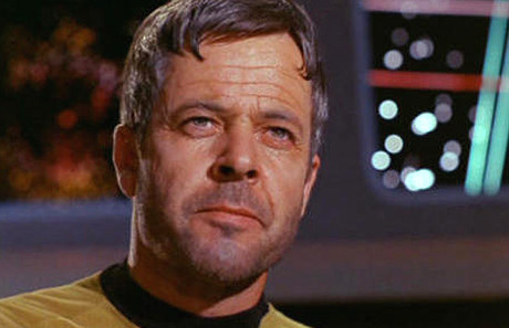 El actor William Windom, en la serie 'Star Trek'.