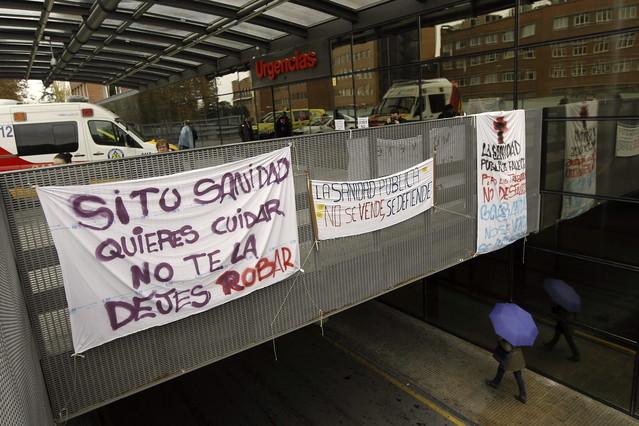 El personal sanitario de madrid comienza la huelga for Puerta k hospital clinico san carlos