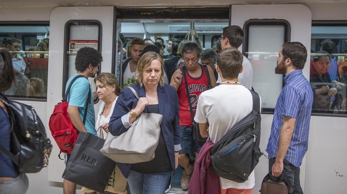 Huelga de metro en las lineas L1 y L3 de la Pl Catalunya