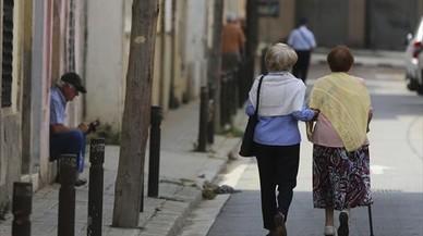 El 60% de las personas mayores de Catalunya no llega a fin de mes