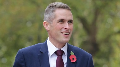 May nombra a Gavin Williamson nuevo ministro de Defensa