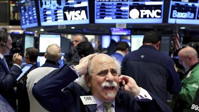 La Xina i el petroli provoquen el daltabaix de les borses