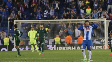 L'Espanyol aconsegueix contra el Betis una remuntada per somiar