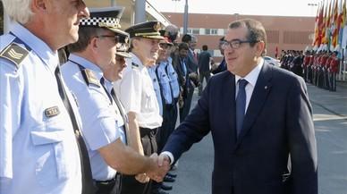 Jané garanteix que convocarà les 500 places de mossos malgrat el veto d'Hisenda