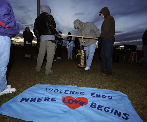 Activistas contrarios a la pena de muerte protestan ante la prisión de Florida donde ha sido ejecutado Thomas Knight.