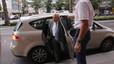 Jordi Pujol sale de casa sin un zapato