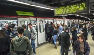 Aglomeraciones durante la huelga parcial del metro el pasado día 2.
