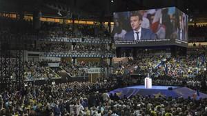 monmartinez37168588 presidential candidate emmanuel macron gestures as he speaks170204220913
