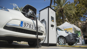 Más coches eléctricos e híbridos