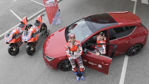 Dovizioso y Lorenzo con el Seat León Cupra