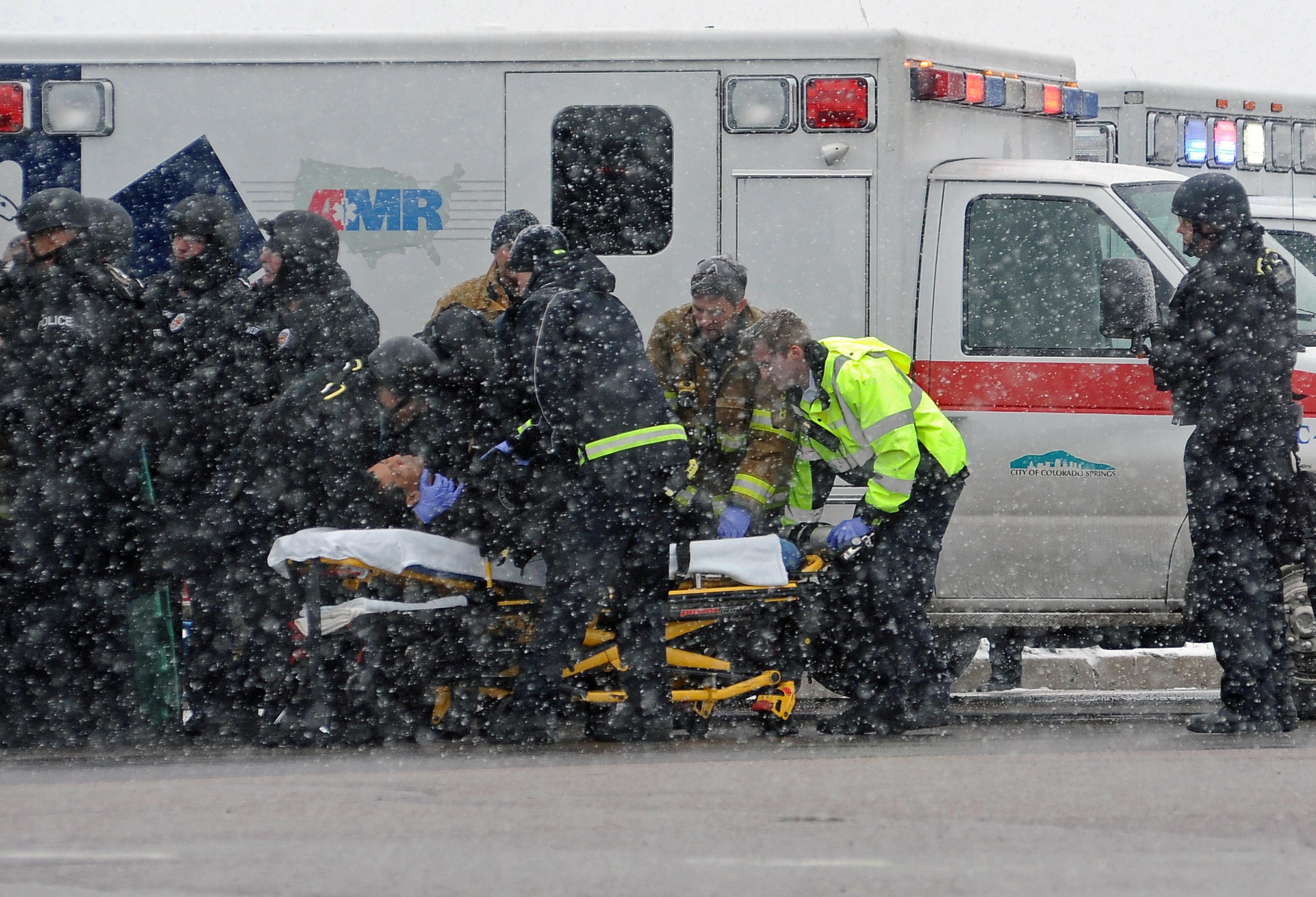 Tres morts i nou ferits en un tiroteig en una clínica d'avortaments dels EUA