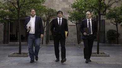 Puigdemont reúne a JxSí y CUP en Palau para consensuar la respuesta a Rajoy