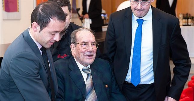 Muere Carlos Casas, expresidente del Manresa y fundador de la ACB