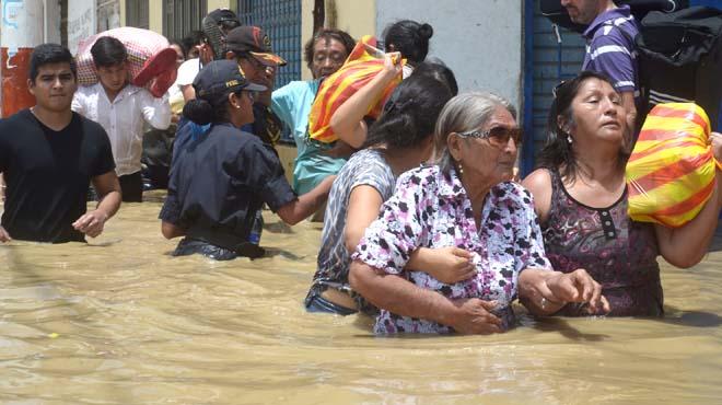 Más de 110.000 personas abandonan sus viviendas en Perú a causa de las inundaciones