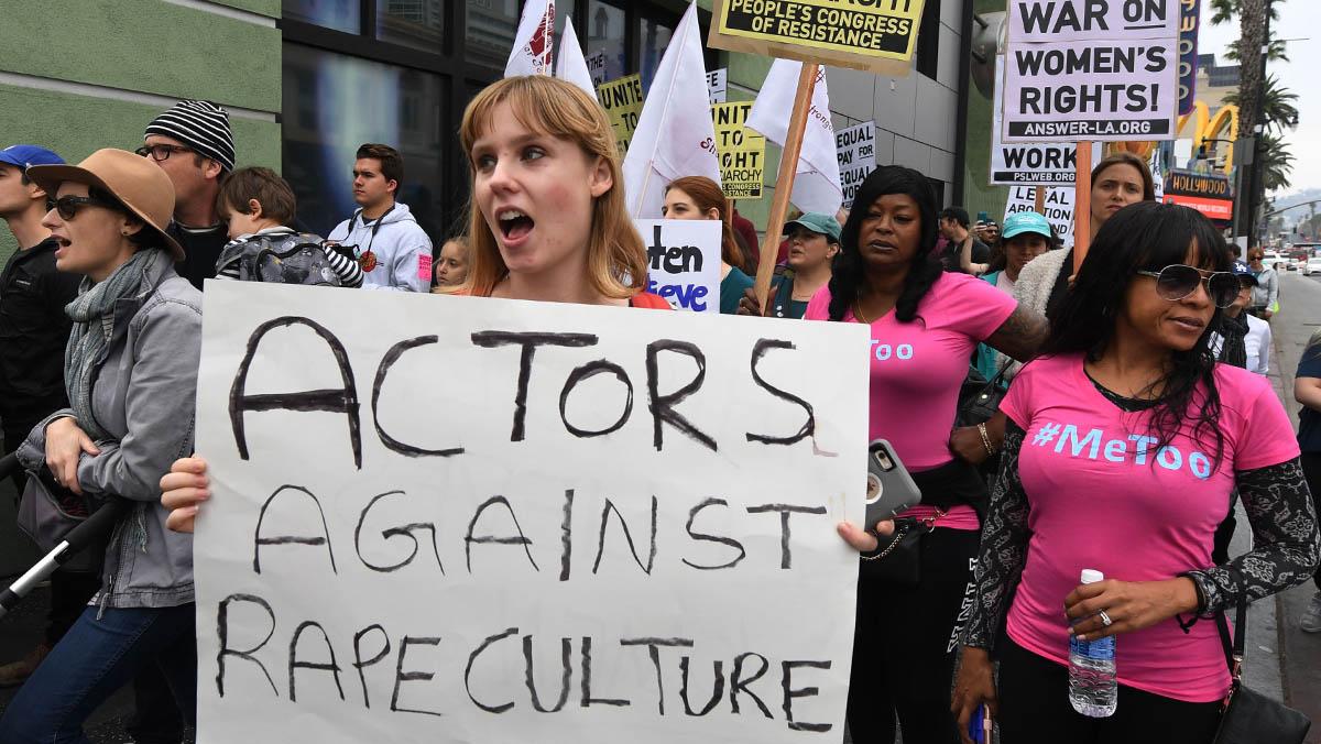 Miles de manifestantes protestan en Los Ángeles contra los abusos sexuales