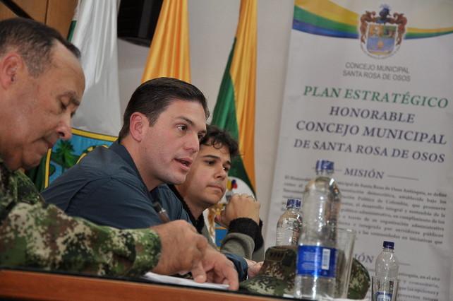 El Gobierno de Colombia proseguir� sus operaciones militares en medio del di�logo con las FARC