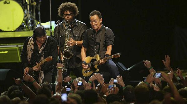 Springsteen recorda Mandela i Pete Seeger a Ciutat del Cap