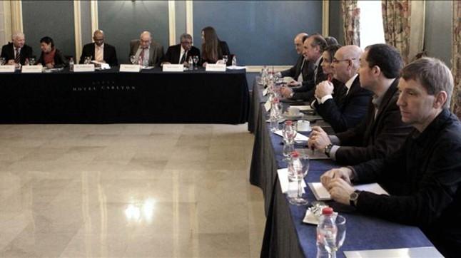Los mediadores internacionales frenan las expectativas de un inminente desarme de ETA