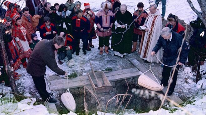 Entierro tradicional del pueblo sami.