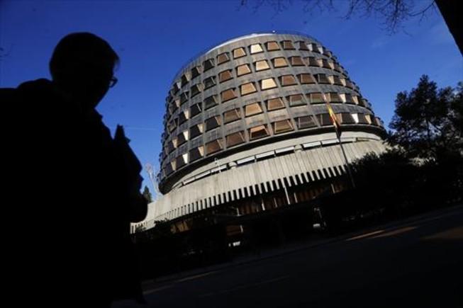 El TC afirma que el Parlament vulneró derechos de PP, PSC y C's con la declaración de ruptura