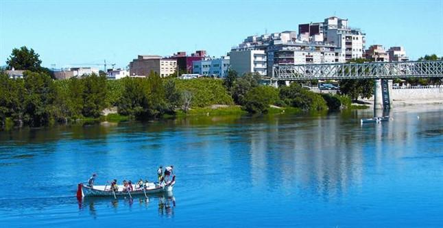 El Ebro seduce cada a�o a nuevos turistas fluviales