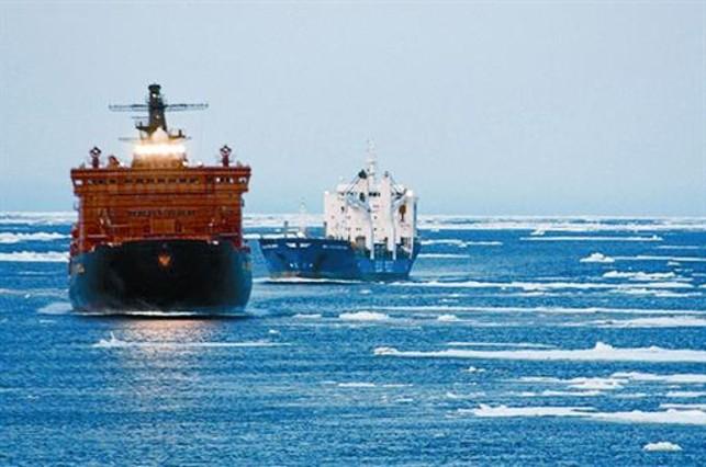 Dos mercantes alemanes recorrieron en el verano del 2009 el Paso del Noreste desde Corea hasta Europa.