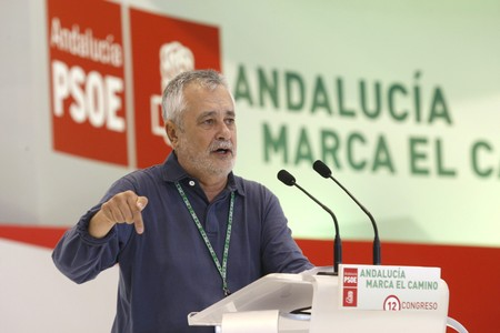 El secretario general del PSOE-A, Jos Antonio Grin, durante su intervencin en el congreso de los socialistas andaluces. EFE