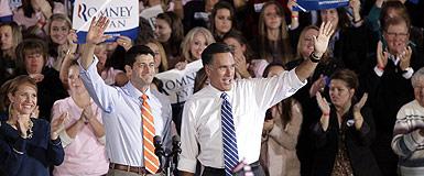 Mitt Romney y Paul Ryan, en un mitin en Ohio. AP