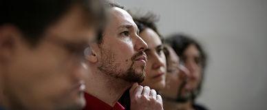 La direcci�n de Podemos, con Pablo Iglesias al frente, ayer.
