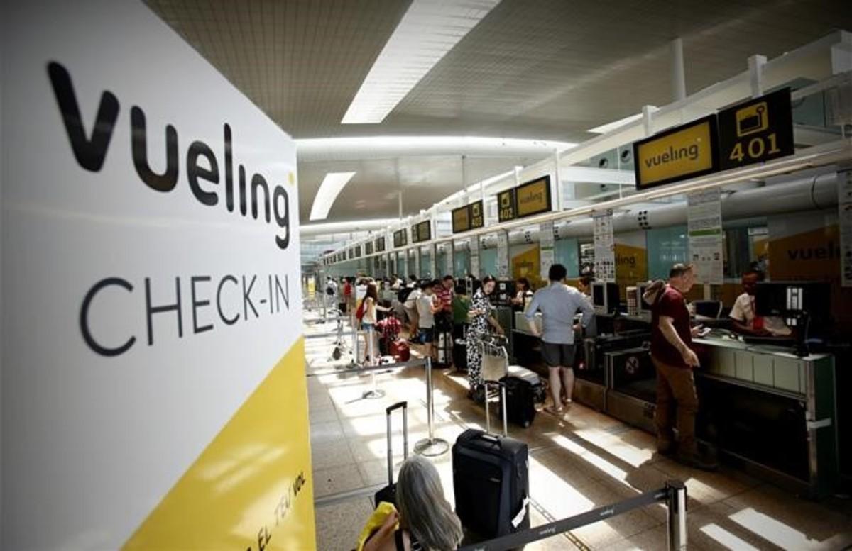 El aeropuerto de barcelona logra r cord en agosto 4 7 for Cajeros en el aeropuerto