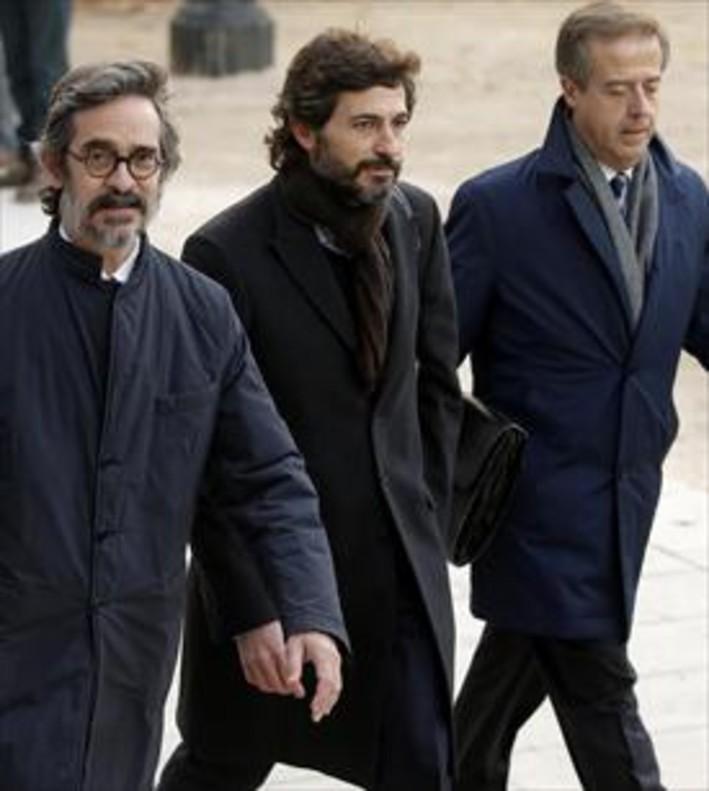El juez vuelve a imputar al socio de oleguer pujol por for Sucursales banco santander barcelona