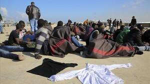 zentauroepp32229557 t04 tr poli libia 21 12 2015 algunos de los 108 migrant170830153349