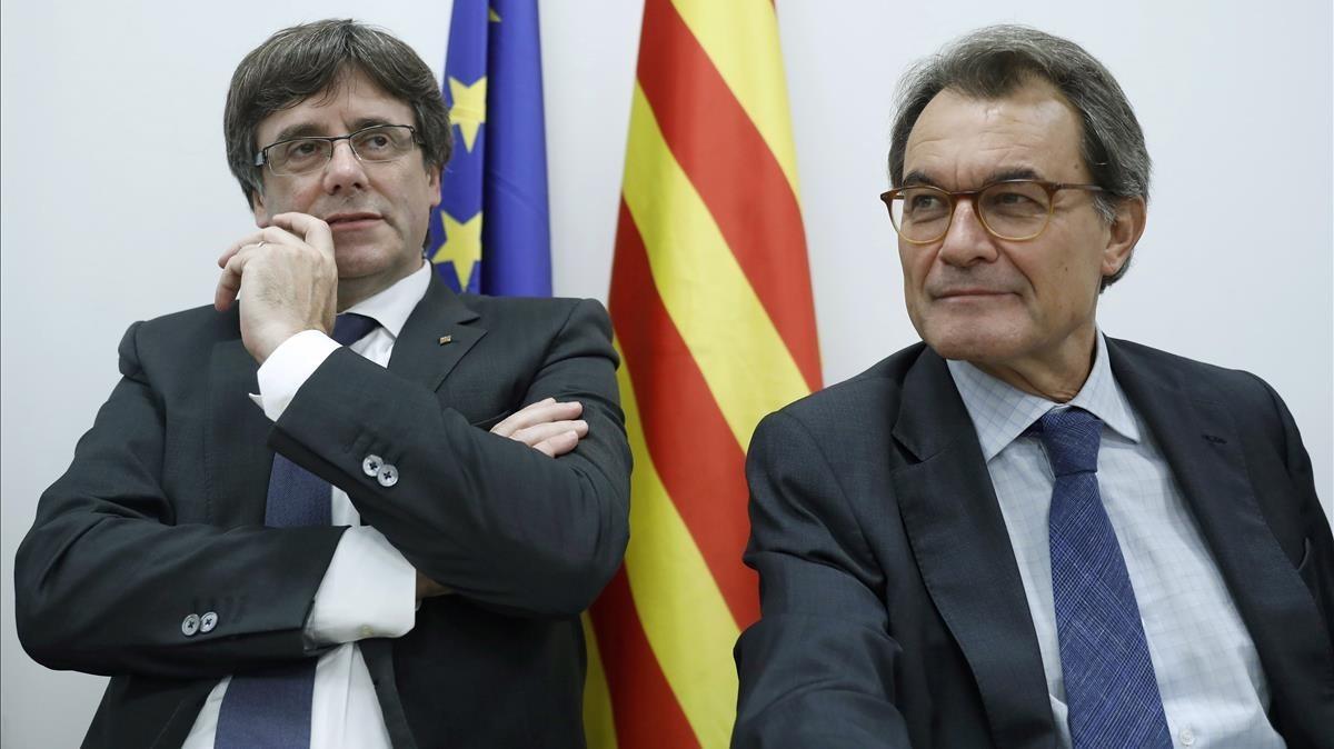 Carles Puigdemont y Artur Mas en una imagen de archivo del Comité Nacional del PDeCAT.