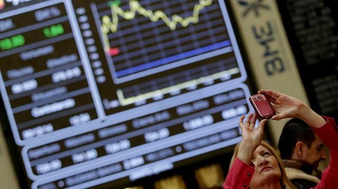 La borsa espanyola obre la setmana amb una caiguda del 0,64% després d'un nou descens a la Xina