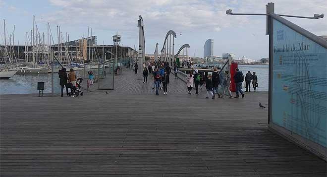 Barcelona posa en marxa un pla per al veïnat i contra la gentrificació.