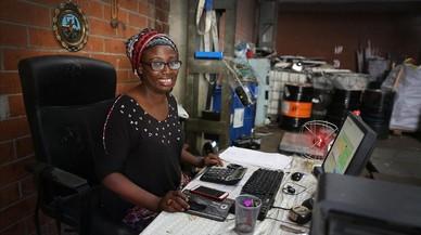 Ndeye Gueye: «Soy la primera africana que abre una chatarrería en BCN»