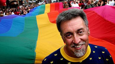 Gilbert Baker: ¿Por qué la bandera del Orgullo Gay perdió el color rosa?