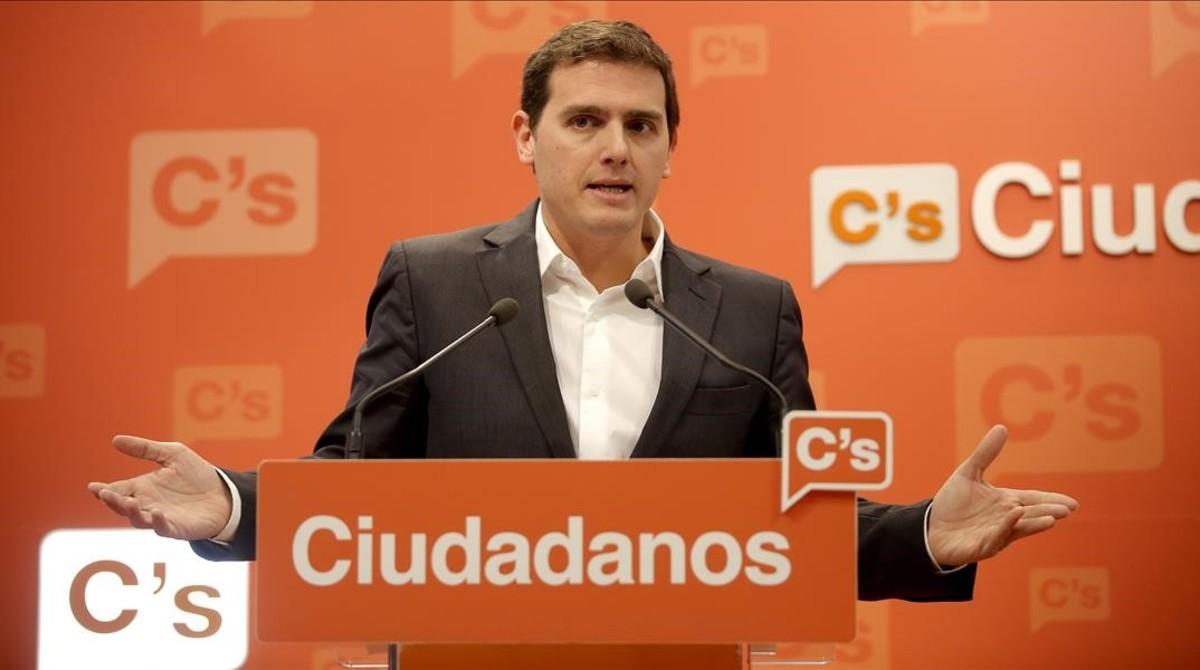 """Rivera demana al Govern que no es """"torni a equivocar"""" i eviti un referèndum"""
