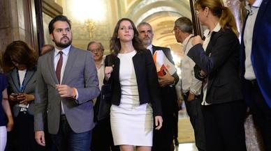 """Inés Arrimadas carrega contra la """"crònica d'un cop anunciat"""" de Puigdemont"""