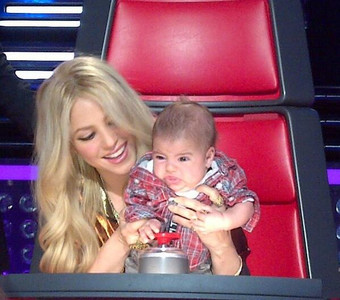Shakira con su hijo Milan, en el concurso 'The Voice', el pasado 12 de abril.