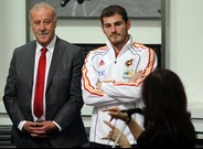 Del Bosque: &#34;Casillas tiene que ser obediente, disciplinado y discreto&#34;