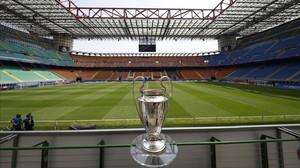 mdeluna34057749 football soccer san siro stadium milan italy 160527142248