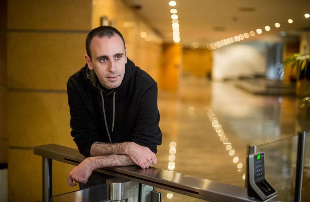 El autor italiano Zerocalcare, este martes en Barcelona, donde ha presentado su última obra, `Kobane Calling¿.
