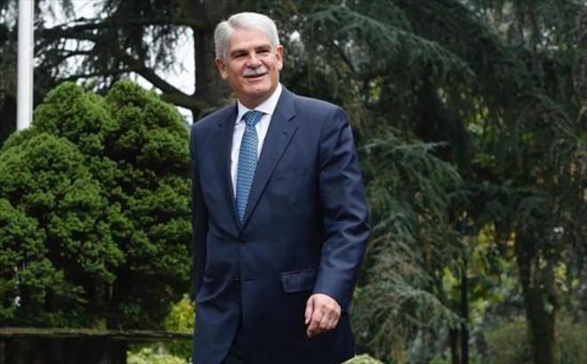 El ministro de Exteriores, Alfonso Dastis, en el complejo de la Moncloa.